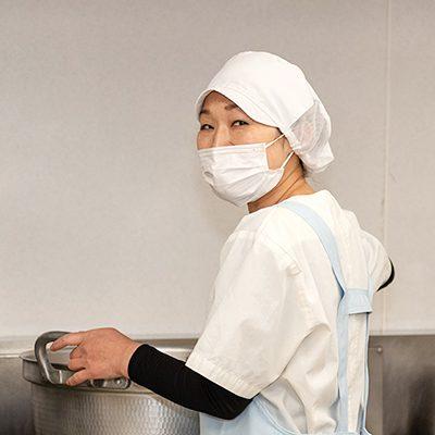 調理師としての仕事は多くの人に笑顔になってもらえる仕事です。